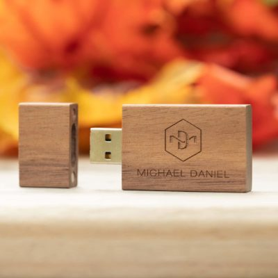 Natural Wood Walnut flash Drive