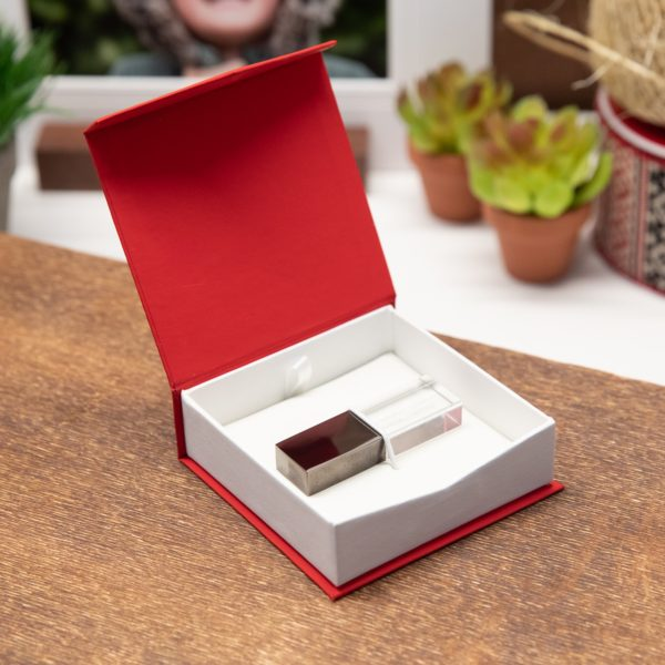 Classic Snap Flash Drive Box Red