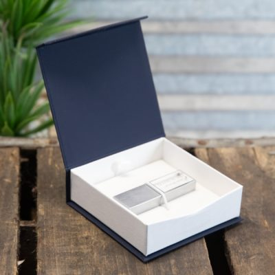 Classic Snap Flash Drive Box Navy