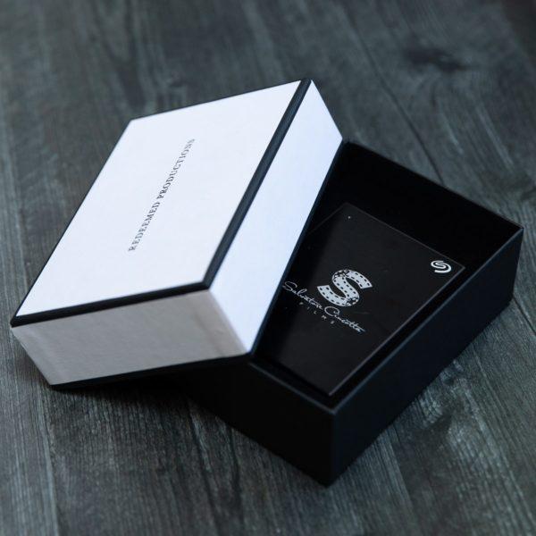 Seagate Backup Plus Slim + Tailored Linen Box Bundle