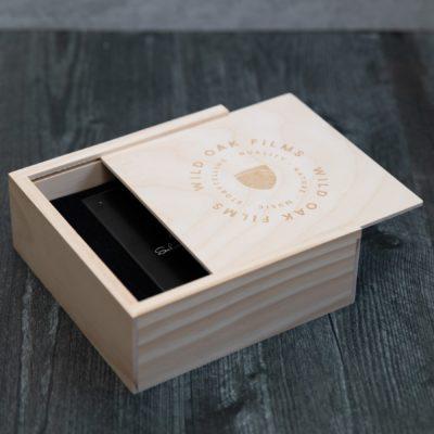 Seagate Backup Plus Slim + Rustic Slide Box Bundle