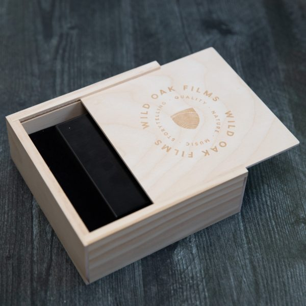 Seagate Backup Plus + Rustic Slide Box Bundle