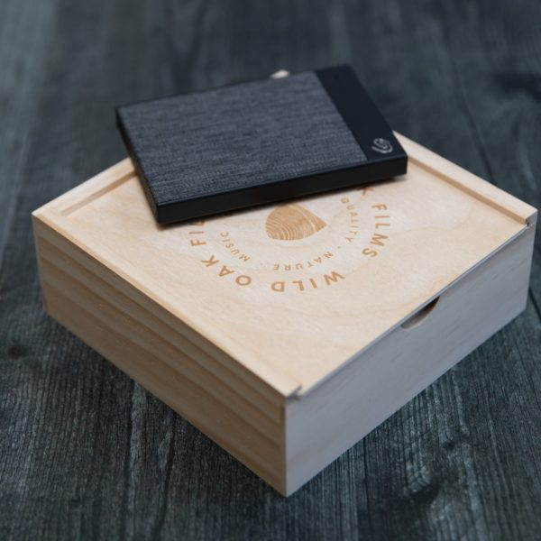 Seagate Backup Plus Ultra Touch + Rustic Slide Box Bundle